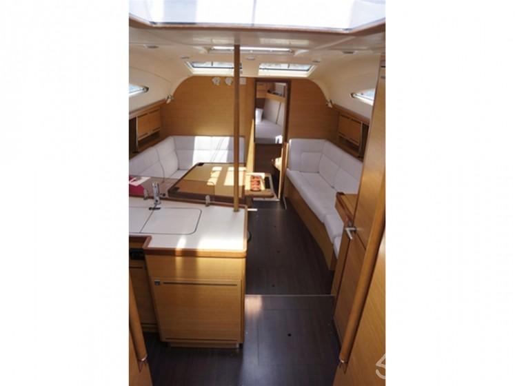 Elan 394 impression - Yacht Charter Sailica