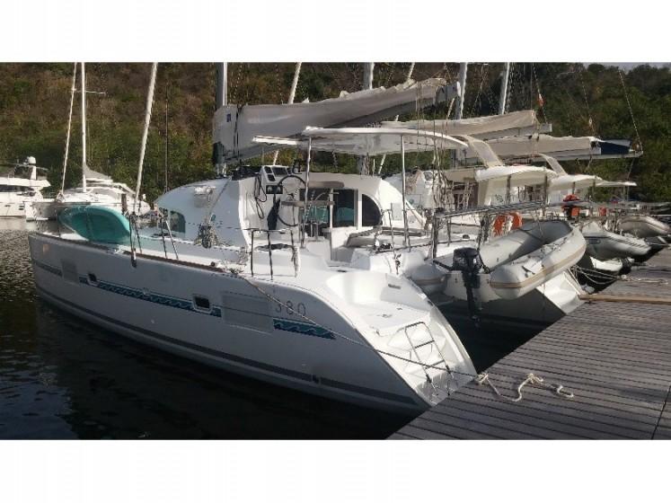 Rent Lagoon 380 S2 in Martinique - Sailica