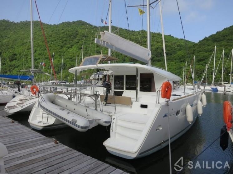 Lagoon 400 - Yacht Charter Sailica