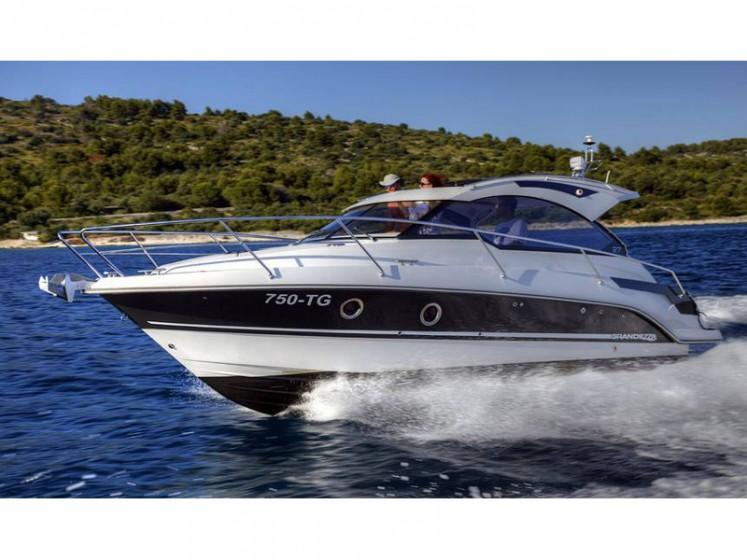 Grandezza 27 OC - Yacht Charter Sailica