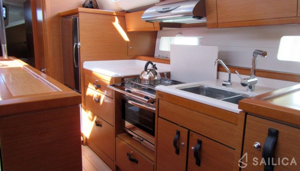 Jeanneau 54 - 5 cab - Sailica Yacht Booking System #4