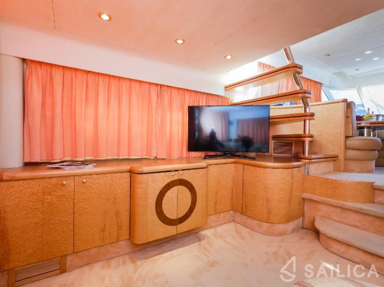 Fairline Squadron 65 - Yacht Charter Sailica