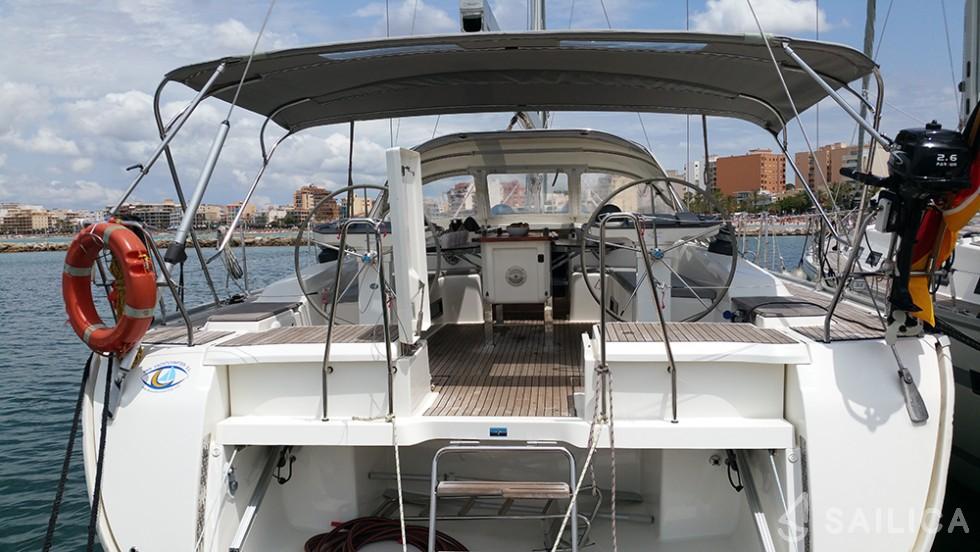 Rent Bavaria Cruiser 56 in Spain - Sailica