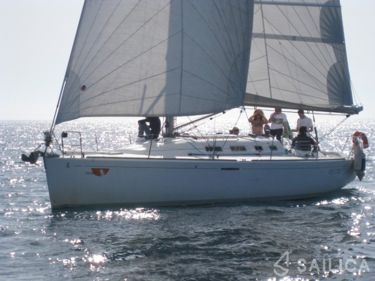 First 40.7 - Yacht Charter Sailica