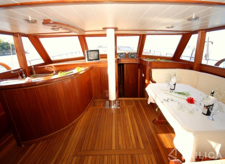 Gulet Be Happy - Yacht Charter Sailica