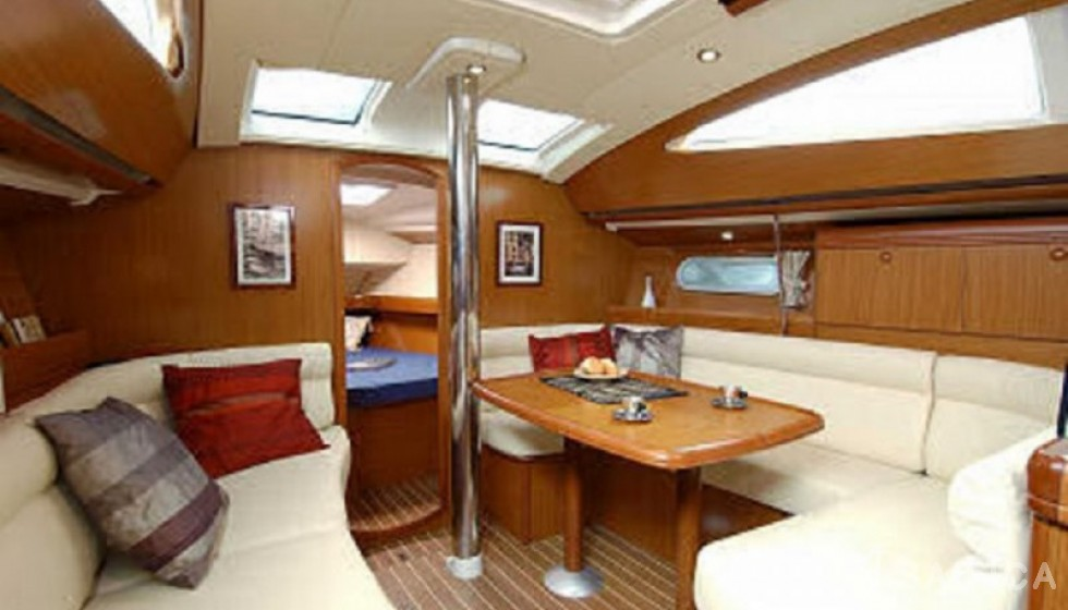 Jeanneau 39 - Sailica Yacht Booking System #5