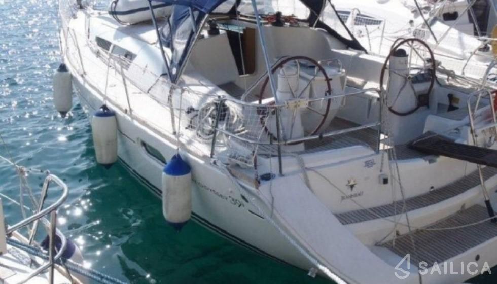 Jeanneau 39 - Jachtcharter Sailica