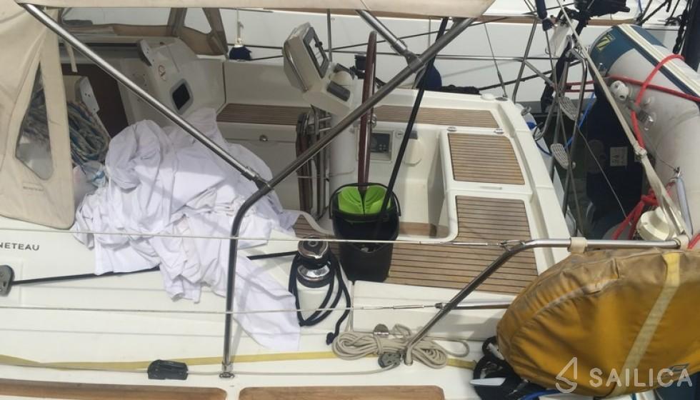 Beneteau 31 - Sailica Yacht Booking System #4