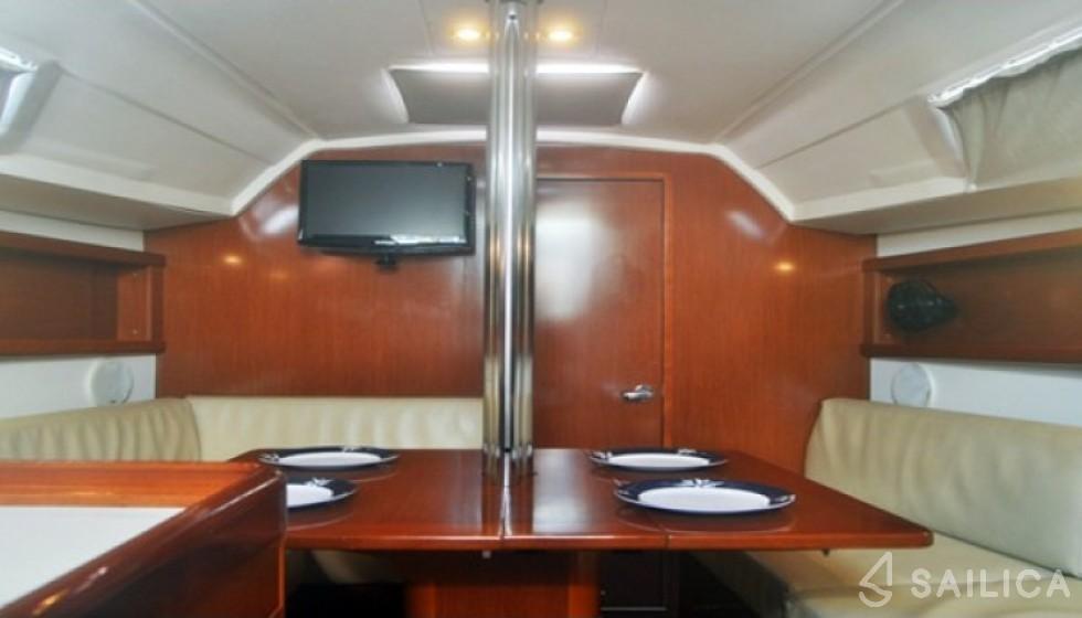 Beneteau 31 - Sailica Yacht Booking System #7