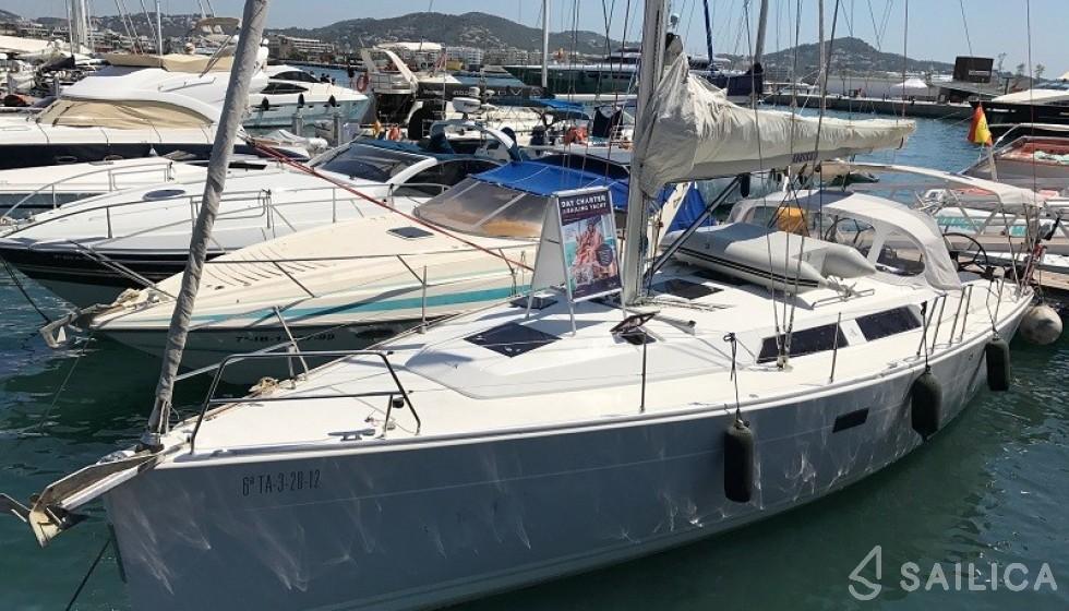 Rent Hanse 400 in Spain - Sailica
