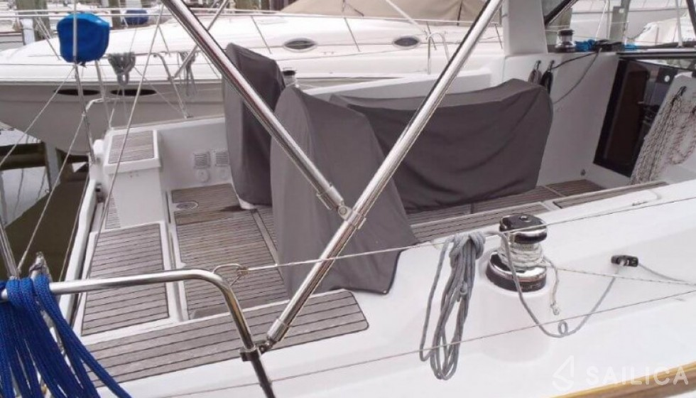 Beneteau 38 - Sailica Yacht Booking System #5