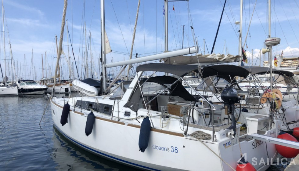 Beneteau 38 - Sailica Yacht Booking System #4