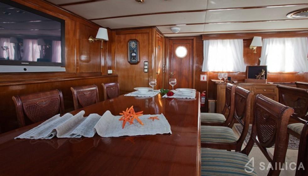 Yarrow & Co. Glasgow 35 - Sailica Yacht Booking System #11