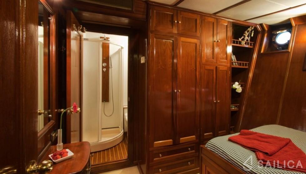 Yarrow & Co. Glasgow 35 - Sailica Yacht Booking System #16