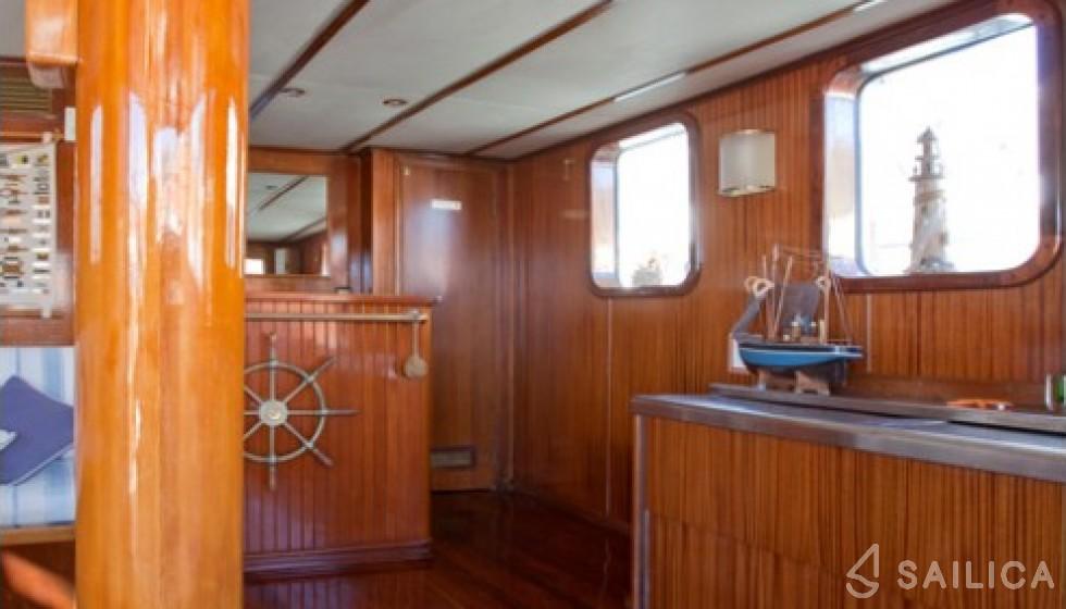 Yarrow & Co. Glasgow 35 - Sailica Yacht Booking System #13