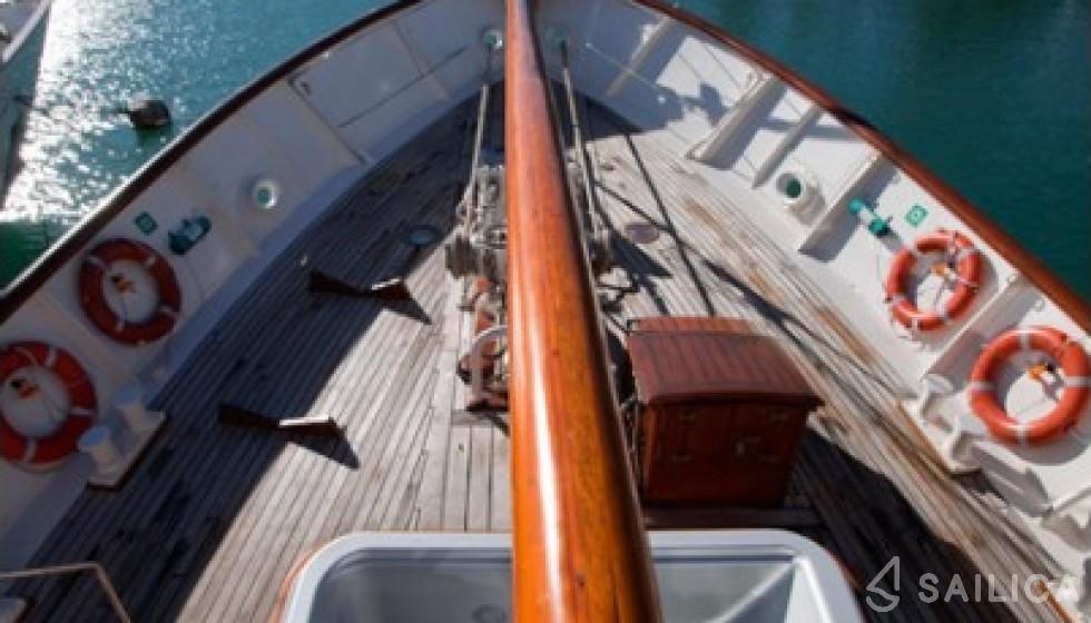 Yarrow & Co. Glasgow 35 - Sailica Yacht Booking System #4