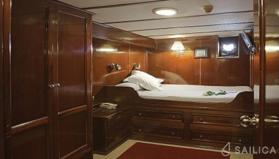 Yarrow & Co. Glasgow 35 - Sailica Yacht Booking System #15