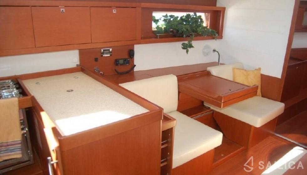 Beneteau 45 - Sailica Yacht Booking System #5