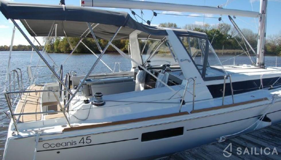 Beneteau 45 - Yacht Charter Sailica