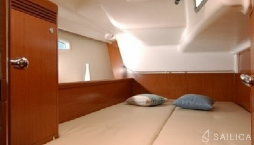 Beneteau 43 - Sailica Yacht Booking System #6