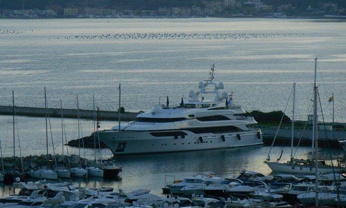 Marina Pozzuoli - Yacht Charter Sailica