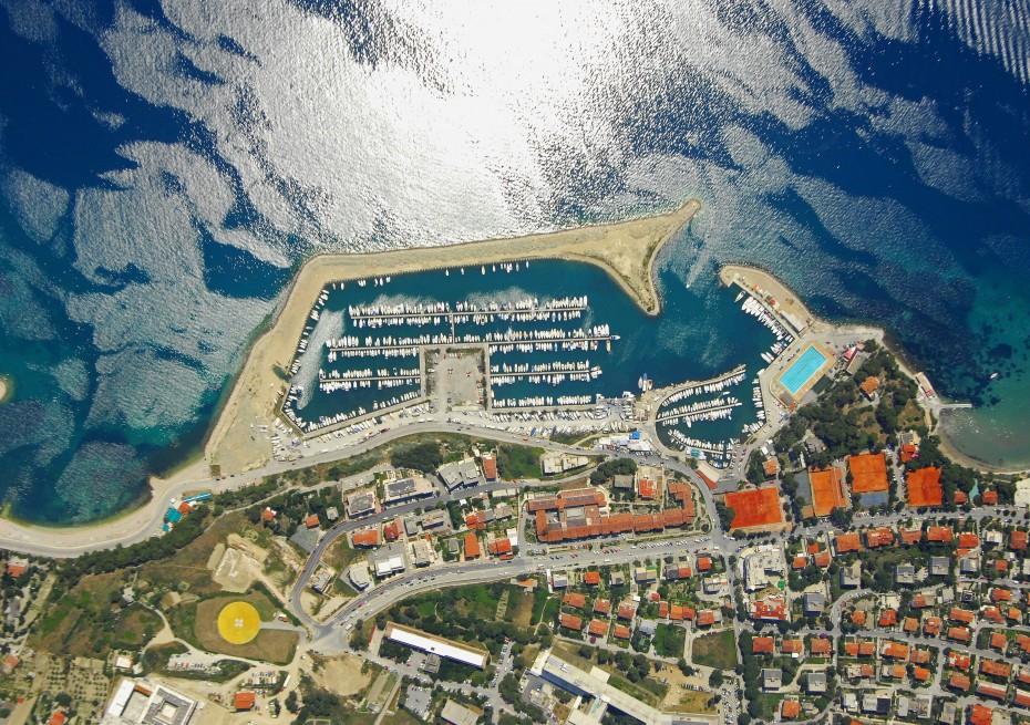 Marina Zenta - Yacht Charter Sailica
