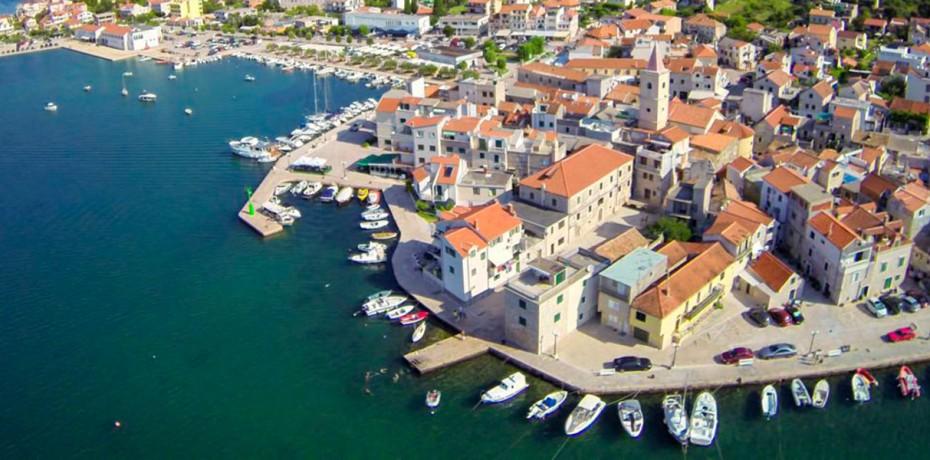 Pirovac - Yacht Charter Sailica