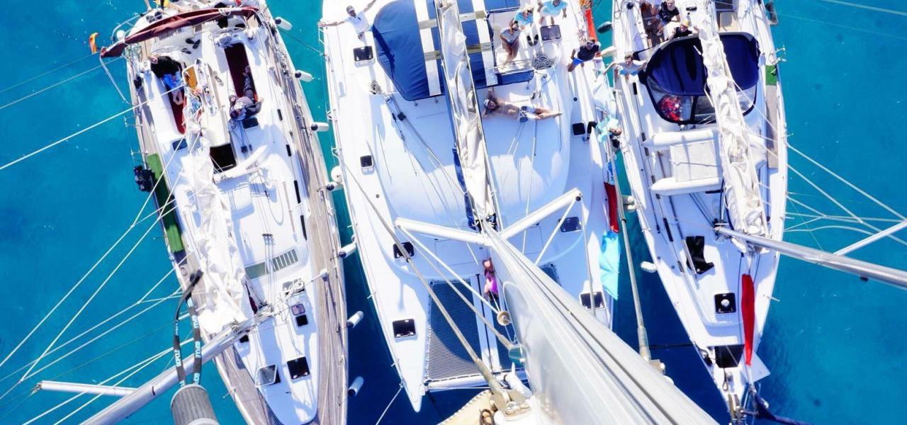 Чем отличается катамаран от парусной яхты?