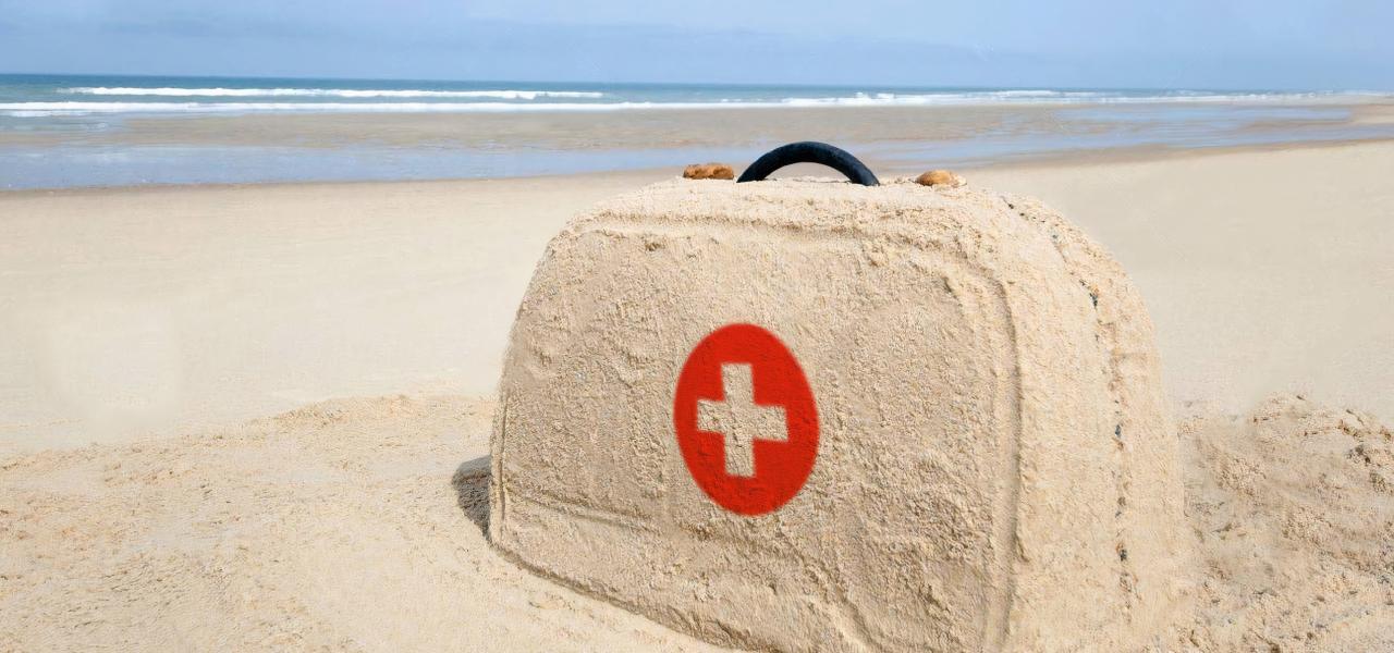 Аптечка на яхте. Какие медикаменты брать с собой в путешествие на яхте?